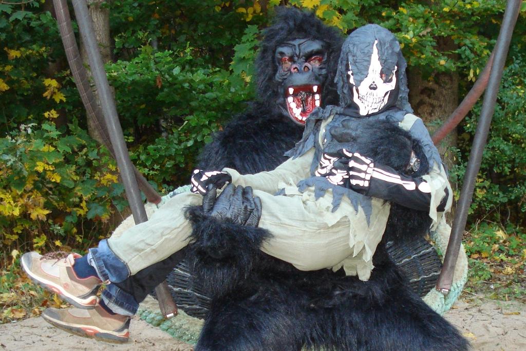 Halloween-Alarm - Gefährlicher Menschaffe ist los